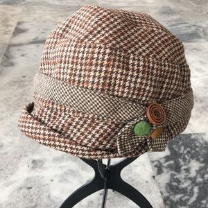 D&Y David & Young Houndstooth Cloche Hat